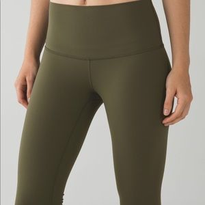 Lululemon Wunder Under Pants Size 6